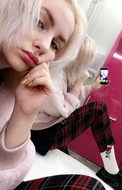 Vollbusige Blonde Schlampe Derbe Geknallt